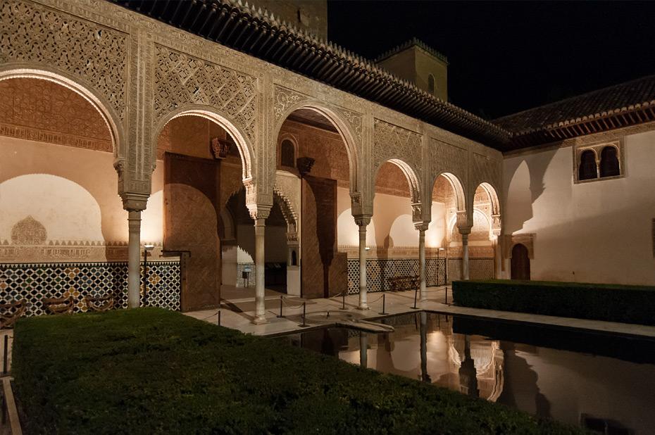 Granada-Alhambra-Nacht-1