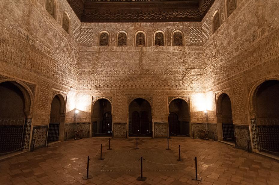 Granada-Alhambra-Nacht-2