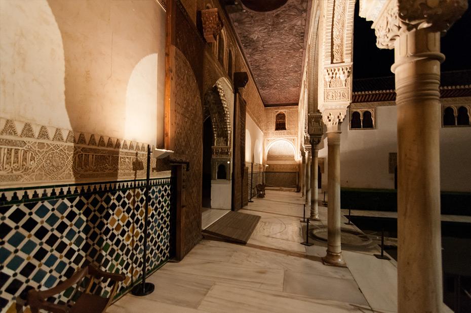 Granada-Alhambra-Nacht-3