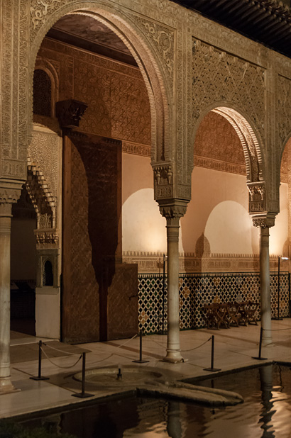 Granada-Alhambra-Nacht-6