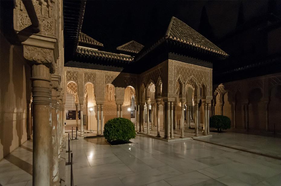 Granada-Alhambra-Nacht-7