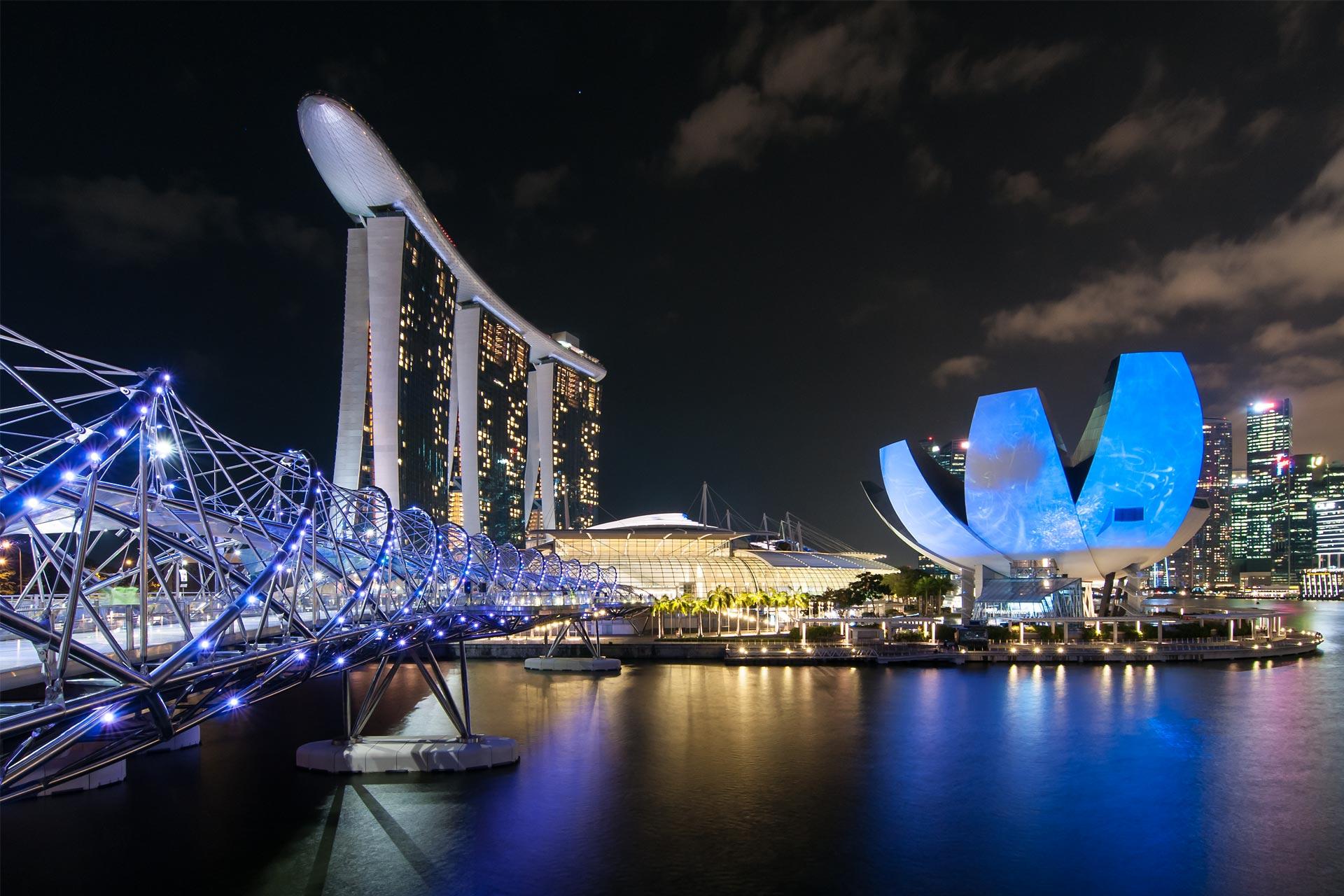 Singapore-Marina-Bay-Sands-Night