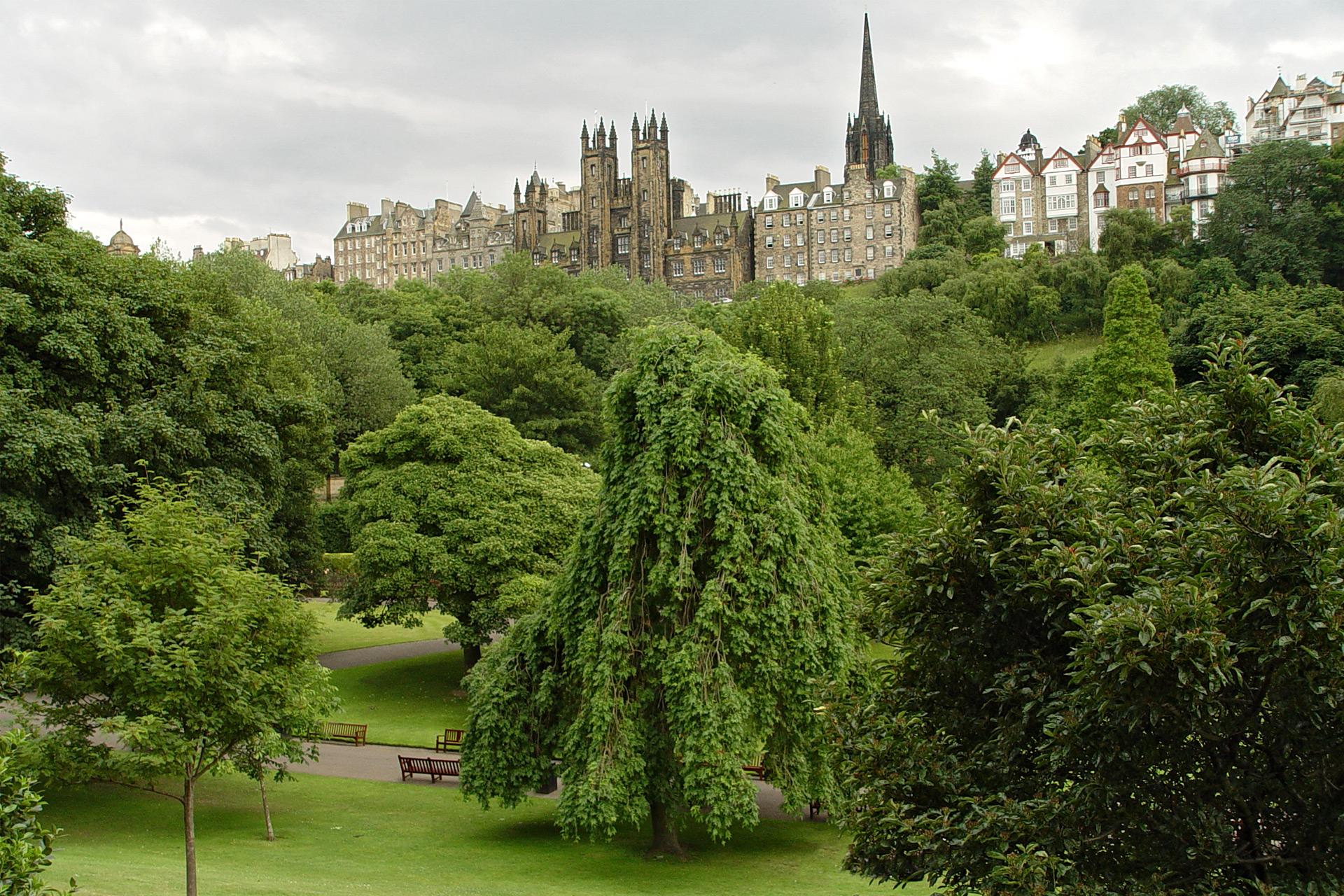 Edinburgh - Blick auf die Oberstadt