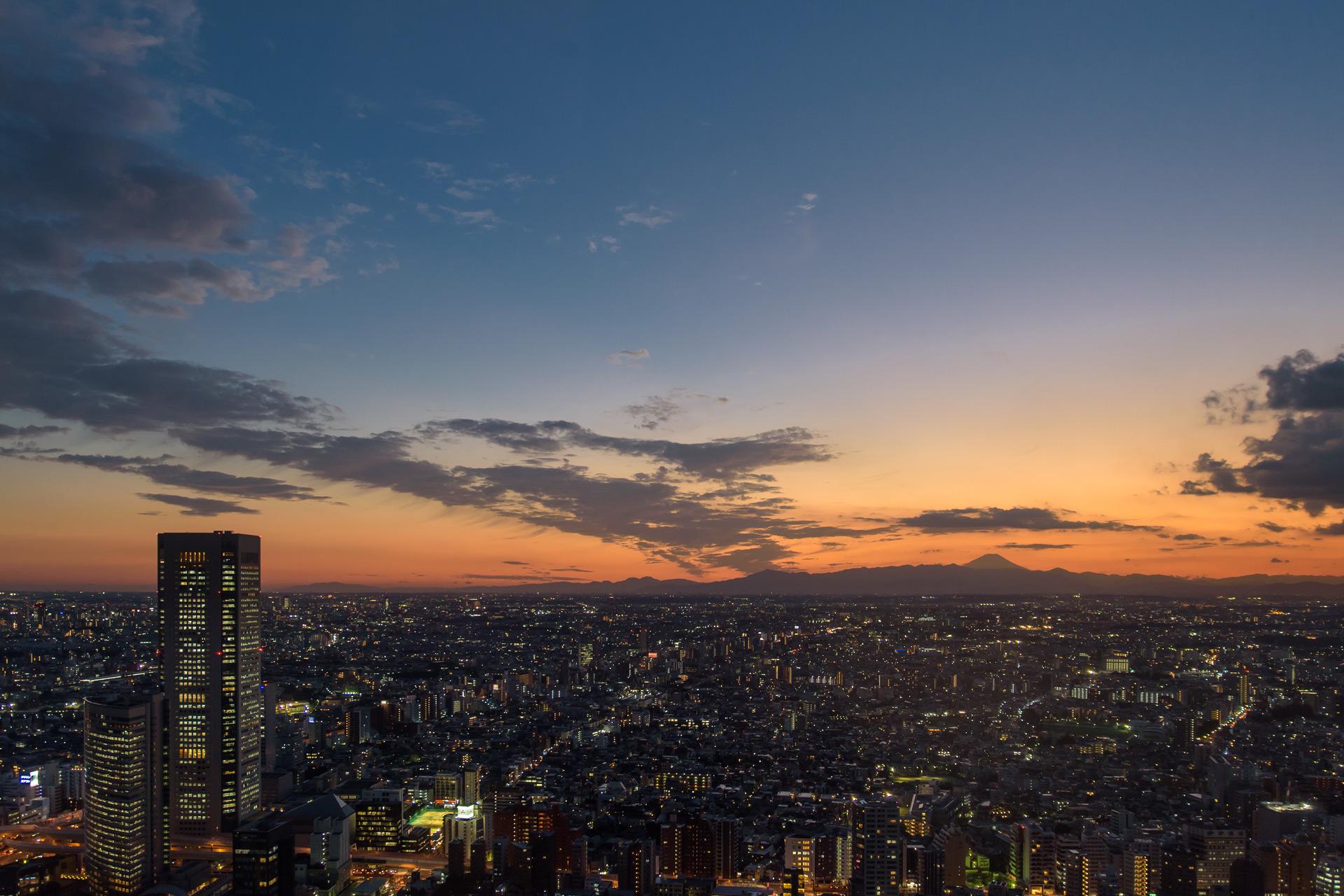 Sonnenuntergang mit Mt Fuji im Hintergrund, Tokyo