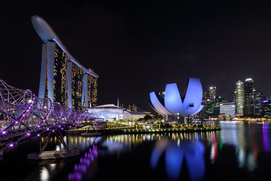 Marina Bay Sands, Helix Bridge & Museum