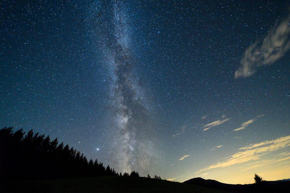 Milchstraße mit Saturn und Jupiter